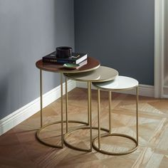 Enamel Round Nesting Tables (Set of 3)