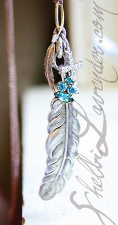 I'm obsessed with feathers!