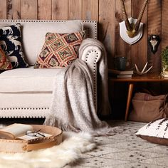 Get the modern lodge look with natural furniture and rustic décor.