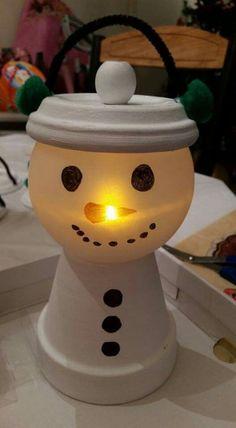 Christmas Clay, Homemade Christmas Gifts, Diy Christmas Ornaments, Christmas Decorations, Vase Decorations, Clay Flower Pots, Flower Pot Crafts, Clay Pots, Snowman Crafts