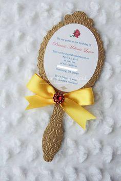 Invitación para cumpleaños de La Bella y Bestia con forma de espejo - http://xn--manualidadesparacumpleaos-voc.com/invitacion-para-cumpleanos-de-la-bella-y-bestia-con-forma-de-espejo/