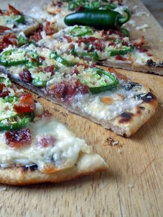 Jalapeno Popper Flatbreads by Sugar Dish Me. Minus the bacon for me but looks good.