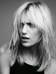 unpublished photo of Anja Rubik by Victor Demarchelier Everyday Hairstyles, Trendy Hairstyles, Hairstyles Videos, Medium Hair Styles, Short Hair Styles, Dream Hair, Hair Day, Hair Inspiration, Hair Makeup