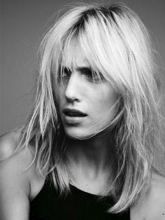 Mid length layered hair