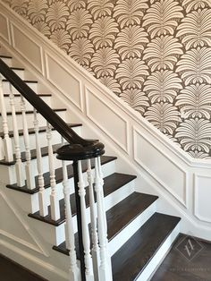Bold Staircase with Wallpaper Bold pattern in foyer Foyer Wallpaper, Bold Wallpaper, Wallpaper Staircase, Front Hallway, Stair Walls, Accent Walls In Living Room, Curved Staircase, Foyer Decorating, Ceiling Decor