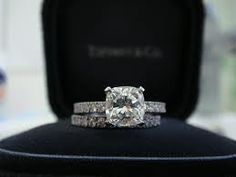 Tiffany Novo Engagement ring.  Perfection.  Dani, tell my future husband this is the ring!