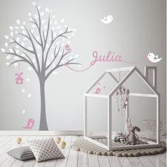 Con este vinilo decorativo las habitaciones infantiles adquieren un toque muy especial. El nombre personalizado es lo más.