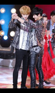 It takes two to tango ♥ #taoris #exo #kris #tao