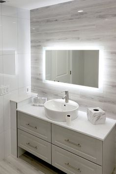 Bathroom decor for the master bathroom remodel. Discover master bathroom organization, master bathroom decor ideas, bathroom tile a few ideas, master bathroom paint colors, and much more. Vanity, Bathroom Mirror, Bathroom Vanity, Bathroom Interior, Modern Bathroom, Bathroom Vanity Mirror, Bathroom Shower, Bathrooms Remodel, Bathroom Decor