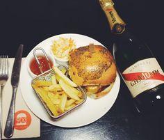 Burger x Champagne 4 créations exclusives de burgers une belle marque de champagne 1 mois de plaisir dès le 2 novembre au PDG