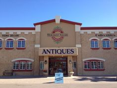 Looking for a fun way to spend an afternoon? Try strolling through the shops in this huge Arizona antique mall.