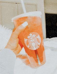 Bebidas Do Starbucks, Iced Starbucks Drinks, Starbucks Recipes, Starbucks Coffee, Coffee Drinks, Peach Aesthetic, Aesthetic Food, Aesthetic Pics, Just Peachy