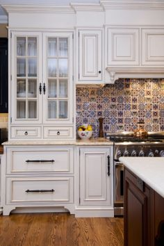traditional white kitchens | Nice Traditional Home White Kitchens Cabinet With Beautiful Mosaic ...