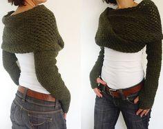 Der lange helle grau Schal/Schal mit Ärmeln an beiden Enden, einen Pullover in einem Augenblick verwandelt. Dieses einfache Design macht eine gewagte Aussage, die verschiedene Arten getragen werden kann: wie wickeln, Pullover oder Schal. Sie können es mit allem, was Sie gerne tragen: Lieblingskleid, T-shirt, Shirt etc.. Sie können zum Träumen!!! Ich hand stricken dieser Schal mit dicken weichen Garn besteht aus 100 % Acryl. Der Bolero ist weich. Nähte sind auf beiden Ärmeln. Strickende fit…