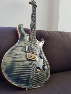 My Favourite guitar I own PRS Anniversary Custom 24 in Faded Whale Blue Guitar Tuners, Prs Guitar, Guitar Amp, Cool Guitar, Learn Acoustic Guitar, Learn To Play Guitar, Bass Ukulele, Music Machine, Paul Reed Smith