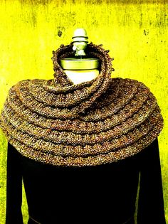 Ravelry: Project Gallery for Harmonia's Rings Cowl pattern by Sivia Harding