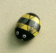 kleine Biene - Stein mit ovaler Form