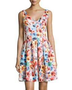TAEFZ Betsey Johnson Floral V-Neck Pleated Sleeveless Dress, Multicolor
