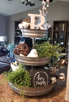 Awesome 50 Best Ways To Decorate Your Living Room By Theme Christmas Ideas. More at https://homyfeed.com/2018/12/18/50-best-ways-to-decorate-your-living-room-by-theme-christmas-ideas/ Tiered Stand, Table Decorations, Furniture, Home Decor, Homemade Home Decor, Table Centerpieces, Home Furniture, Interior Design, Decoration Home