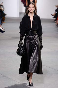 Michael Kors, New York Fashion Week, Herbst/Winter-Mode - - New York Fashion, Fashion Week, Fashion 2017, Look Fashion, Korean Fashion, Fashion Show, Fashion Outfits, Fashion Tips, Fashion Design