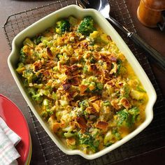 Crumb-Topped Broccoli Bake Recipe- Recipes Broccoli is one of the main crops grown in this area. This recipe has pleased just about everyone who has tried it, including some who said they didn't like broccoli. Frozen Cauliflower Recipes, Frozen Vegetable Recipes, Frozen Vegetables, Veggie Recipes, Vegetarian Recipes, Cooking Recipes, Veggies, Easy Recipes, Copycat Recipes