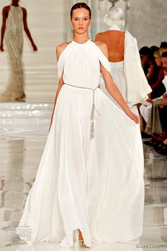 Flapper fashion on the runway: Here's the Ralph Lauren Spring 2012 Ready-to-Wear Collection, full of beautiful pastels, luscious textures and glamour. Beautiful Gowns, Beautiful Outfits, High Fashion, Fashion Show, Nyc Fashion, Ralph Lauren Style, Glamour, Zuhair Murad, Zac Posen