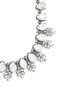 Love the gorgeous teardrop stones on this sparkling crystal necklace.