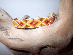 bracelet large perles tissées ethnique mixte : Bracelet par junchiddu