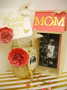 Fun ways to share vintage pictures for Mother's Day. #MadeForMom