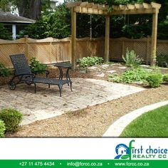 Landscaping ideas for a small yards, and it looks beautiful. #ideas #backyard #property