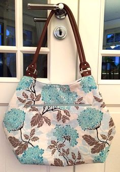 Arya von Barbara mit cognacfarbenen Lederhenkeln- genäht im April 2016 Tote Bag, Sewing, Bags, Fashion, Bags Sewing, Leather, Handbags, Moda, Dressmaking