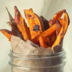 Crispy baked sweet potato fries, seasoned with tangy lime and spicy cayenne pepper. Sweet Potato Recipes, Veggie Recipes, Whole Food Recipes, Cooking Recipes, Vegetarian Recipes, Fried Potatoes, Roasted Sweet Potatoes, Sweet Potato Fries Seasoning, Frugal