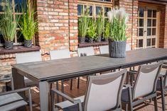 Oryginalny design + funkcjonalne rozsuwanie stołu z 220 do 340 cm Outdoor Furniture Sets, Outdoor Decor, Teak, Table, Design, Home Decor, Wood, Decoration Home, Room Decor