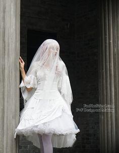Elegant Gothic Rococo 2-Way Sleeves Blouse