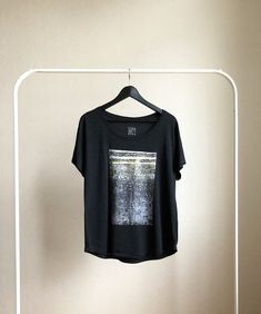 Street Style and Arty Tees with Feel. Visit Siri Skogstad for Nordic Street Wear. Boat Neck, Street Wear, Street Style, T Shirts For Women, Siri, Unisex, Tees, Casual, Mens Tops