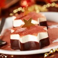 Jouluna herkutellaan ja jälkiruokiin kannattaakin panostaa. Resepteistämme löydät myös raikkaat ja kevyet vaihtoehdot jälkiruoiksi.