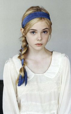 Love the fair and shirt.  Elle Fanning