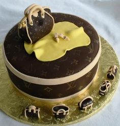 LV Hat Box and Handbags Cake...OMG this is one amazing cake. Congratulations to the Chef. Fondant Cakes, Cupcake Cakes, Cupcakes, Louis Vuitton Cake, Chef Cake, Shoe Template, Amazing Cakes, Cake Decorating, Sweet Tooth