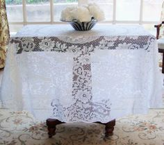 Quaker Lace Tablecloth Round 68 Inches Excellent By RamblinRanch