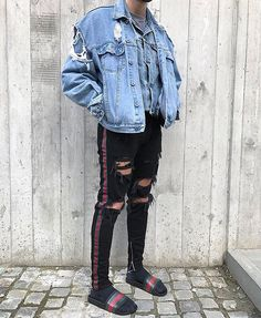 "2,994 mentions J'aime, 67 commentaires - STREETWEAR ☓ GERMANY (@streetwearde) sur Instagram : ""Rate this outfit from 1-10 @sxvsu #strwrde"""