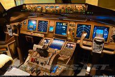 Boeing 777-FZN cockpit