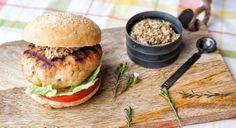 Burger με μπιφτέκι κοτόπουλο και σπιτικό ψωμάκι