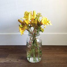 Fresh blooms in sunshine hues. Little Boy Fashion, Kids Fashion, Daffodils, Wild Flowers, Sunshine, Bloom, Fresh, Instagram Posts, Inspiration