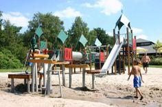Een kleine impressie van één van de speeltuinen op vakantiepark Landgoed Ruighenrode
