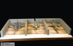 Diorama Bausatz, 3 Flugzeug Splitterschutzboxen Vietnam, 1:72