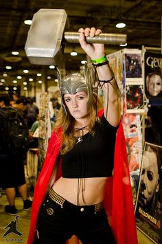 Lady Thor Cosplay - Hammer Time