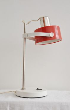 lampe estoplast  http://lampevintage.blogspot.fr/2012/12/lampe-estoplastda-da-da.html