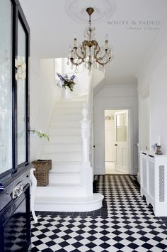 Victorian black and white tiled hallway and white painted staircase Hall Tiles, Tiled Hallway, Victorian Decor, Victorian Homes, Victorian Terrace Interior, Victorian Chandelier, Victorian House Interiors, Victorian Townhouse, Design Entrée