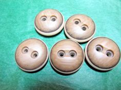 "(5) 1&1/8""  BROWN TONES PLASTIC 2-HOLE CHUNKY CRAFT EMBELLISHMENT BUTTONS (N591)"