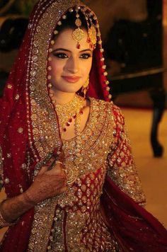 A bride should be the center of attention at her wedding, a reason red is so popular for weddings in some cultures ♥